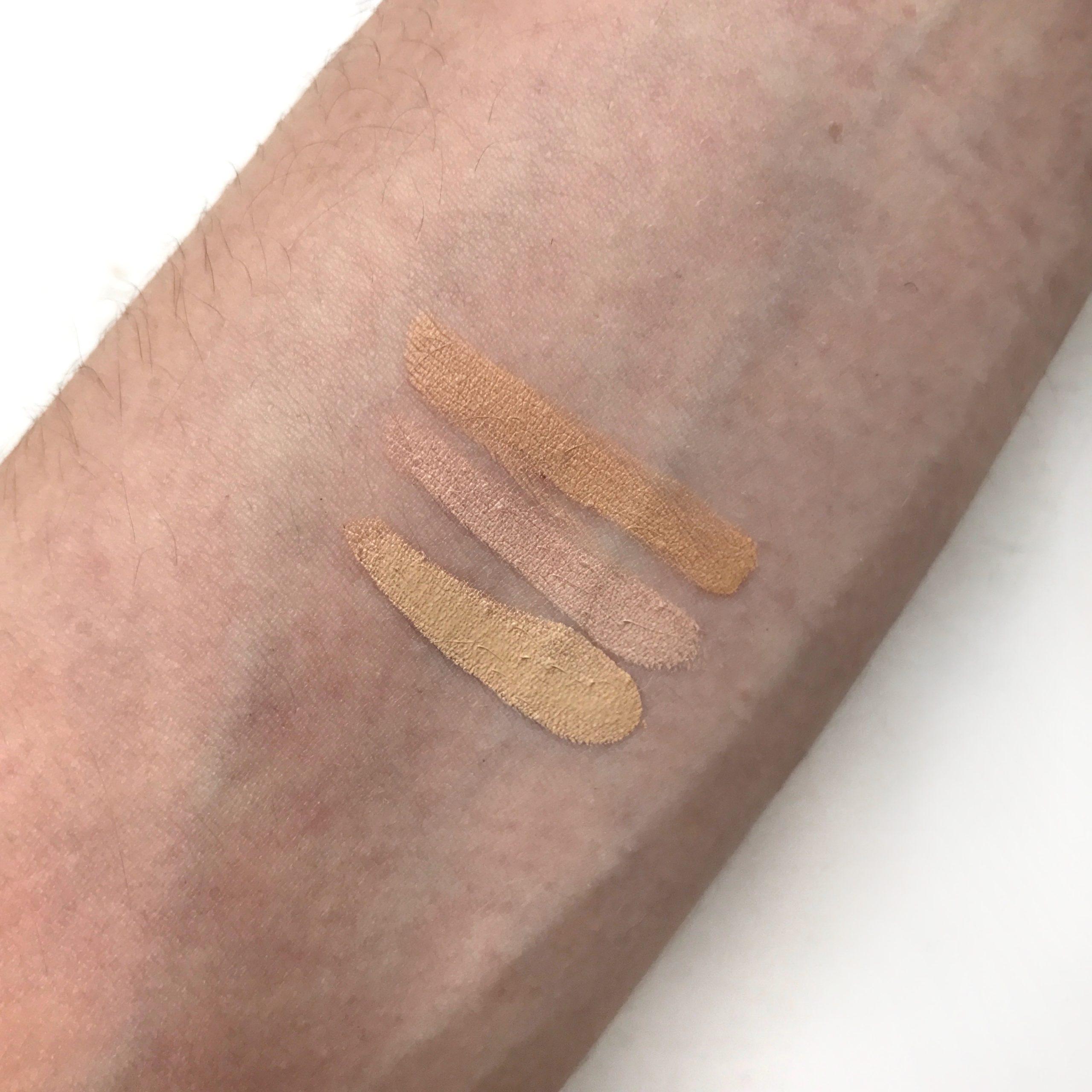 Swatch de 3 teintes du fond de teint Gressa Skin Minimalist Foundation